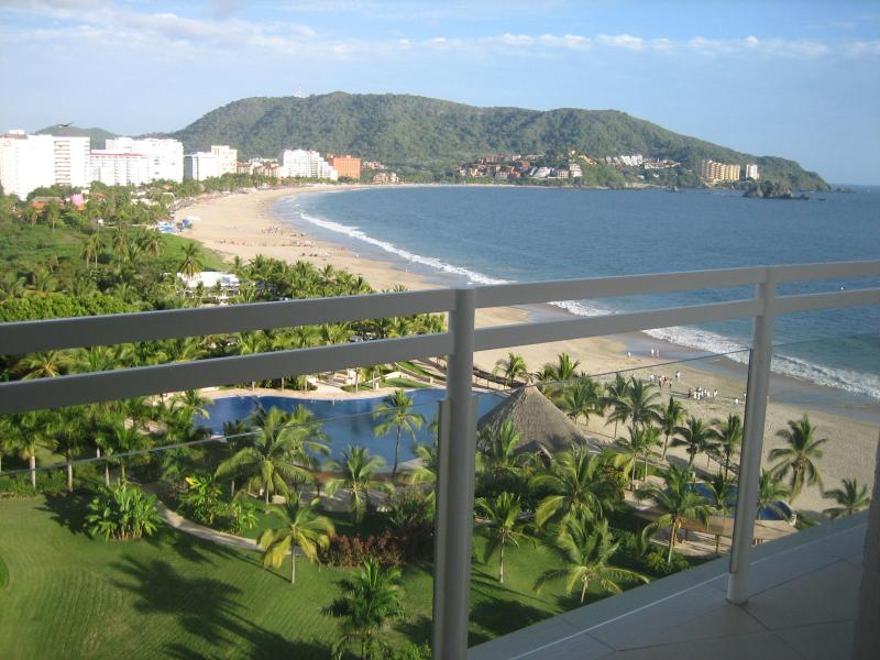 Enjoy the view from the terrace with your favorite drink - BVG Marina: Spectacular Ocean View 1 BD 2BA Condo - Ixtapa - rentals