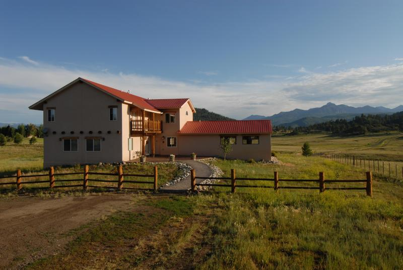 Front view of Piedra Pines Lodge - Beautiful 8 bedroom San Juan mountain retreat - Pagosa Springs - rentals