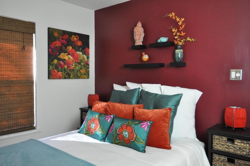 Casita del Sol - 2 Bedroom House in Bouldin Creek - Image 1 - Austin - rentals
