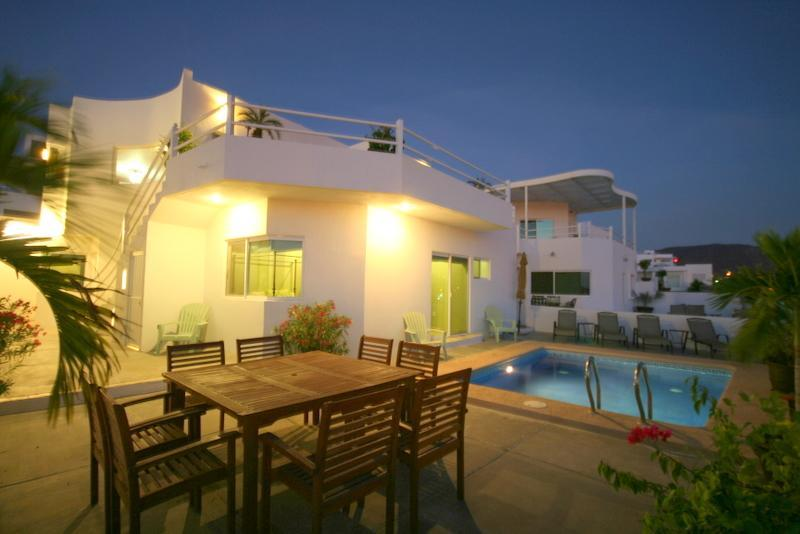 terraces - New Ocean Home with Private Pool, Perfect Location - La Paz - rentals