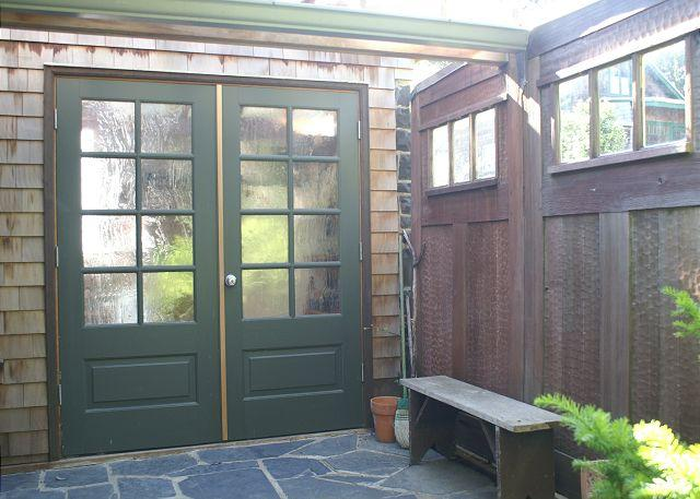 """Wee House Entrance - Romantic cottage with """"secret garden"""" close to beach and town - Manzanita - rentals"""