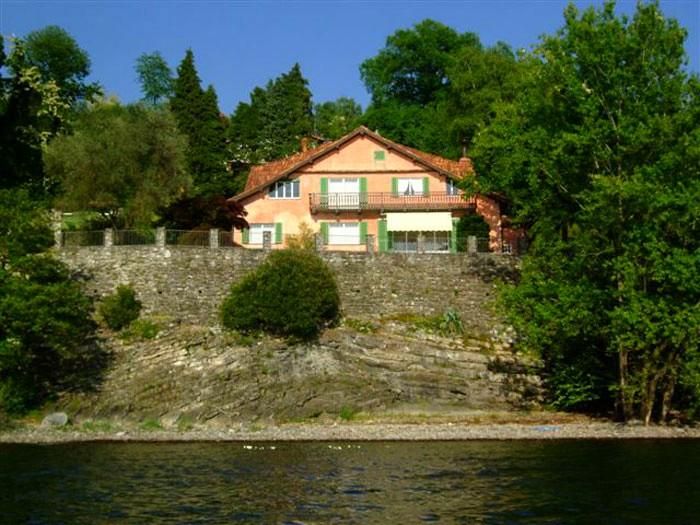 lakefront vacation villa reno di leggiuno lake maggiore italy - Elegant mansion on the lakeshore - Laveno-Mombello - rentals