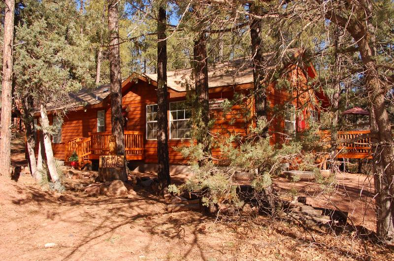 Kamp Kiwis Has Been Designed To Be YOUR Vacation Home During Your Stay - Escape The Heat! Enjoy Our Nature Trail - Pine - rentals
