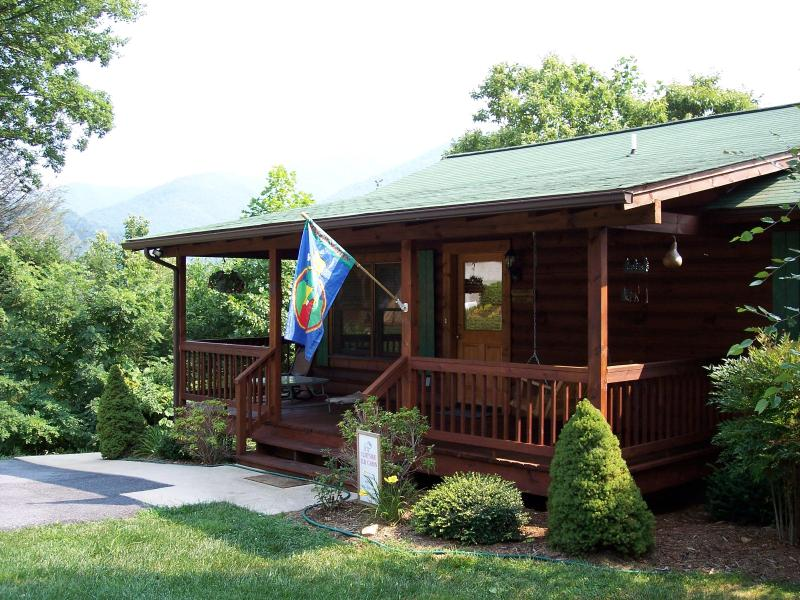 "View of Cliffside Elk Cabin - ""Cliffsidelk Elk Cabin"" Call last minute Specials - Maggie Valley - rentals"