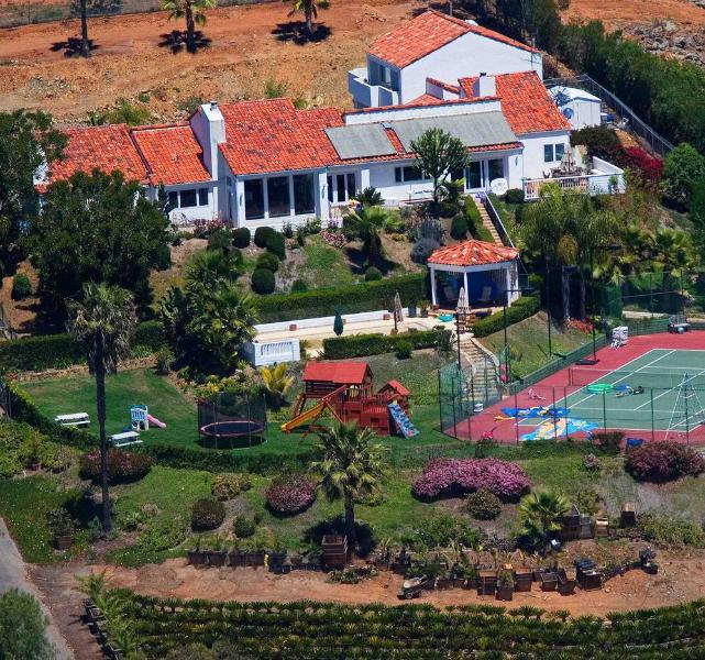 Gated playground estate on secluded hilltop - Tennis Ranch Estate By The Sea - Pacific Beach - rentals