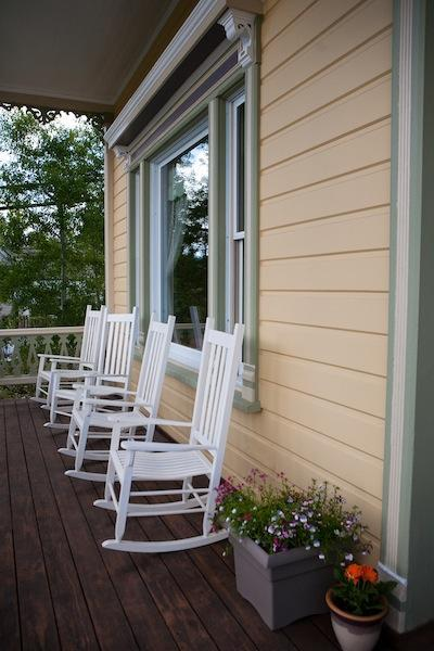 Enjoy Incredible Views from the Porch - Beautiful Large 7 Bedroom Home, Historic Truckee - Truckee - rentals