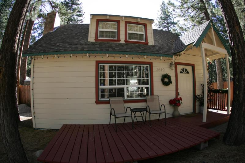 Front of cabin - The Larsen's Tahoe Chateau w/HT from $99 a nt. - South Lake Tahoe - rentals