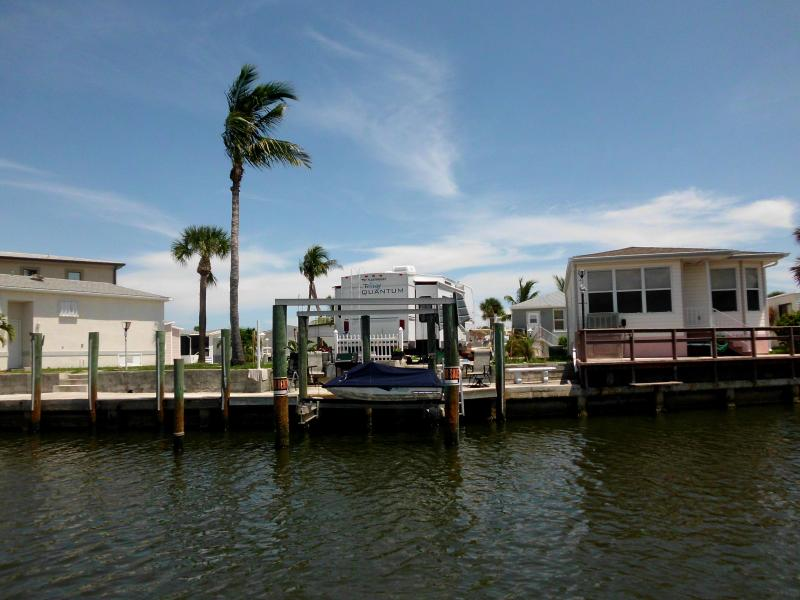 Gated resort community with 5 th wheel  water view - Image 1 - Jensen Beach - rentals