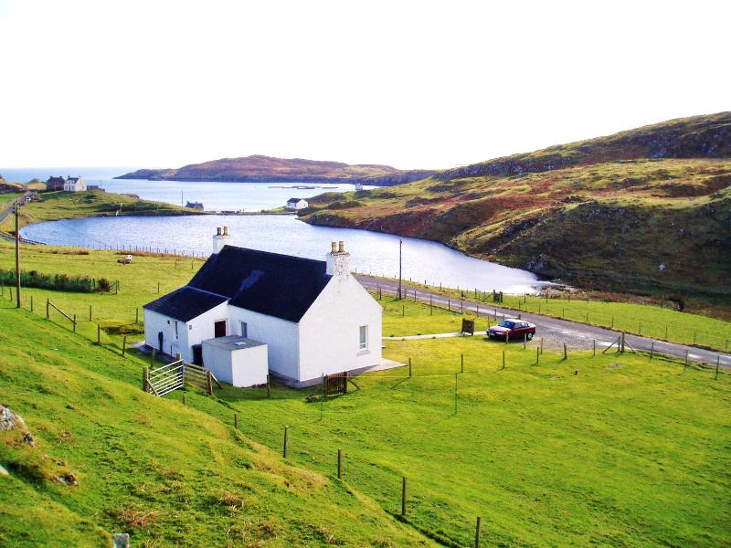 View from top - Harris White Cottage romantic break with sea views - Isle of Harris - rentals