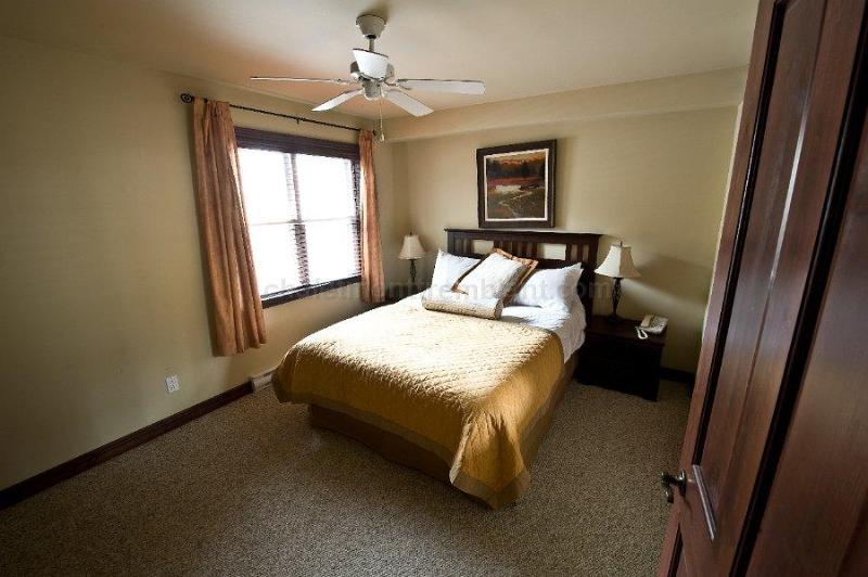 Bedroom - Mountain view condo in Mont-Tremblant - Mont Tremblant - rentals