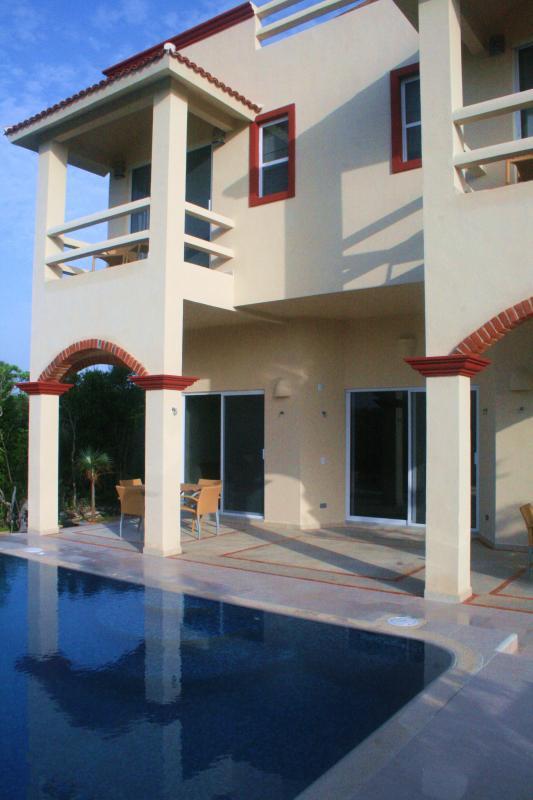 Villa Arrecife - Pool, Terraces & Balconies at Rear - Villa Arrecife -  Luxury Villa in Akumal Mexico - Akumal - rentals
