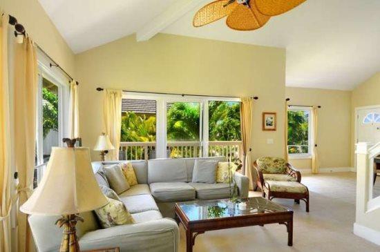 living room  - Regency 621 - Central AC, 3 bedroom/3 bath within walking distance to Poipu Beach! Pool, hot tub. - Poipu - rentals
