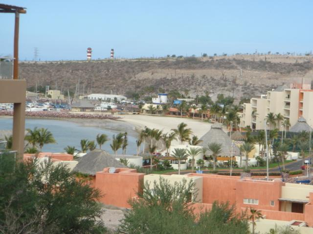 View from the deck down to private beach - 3 bedroom house in LaPaz, Costa Baja Resort - La Paz - rentals