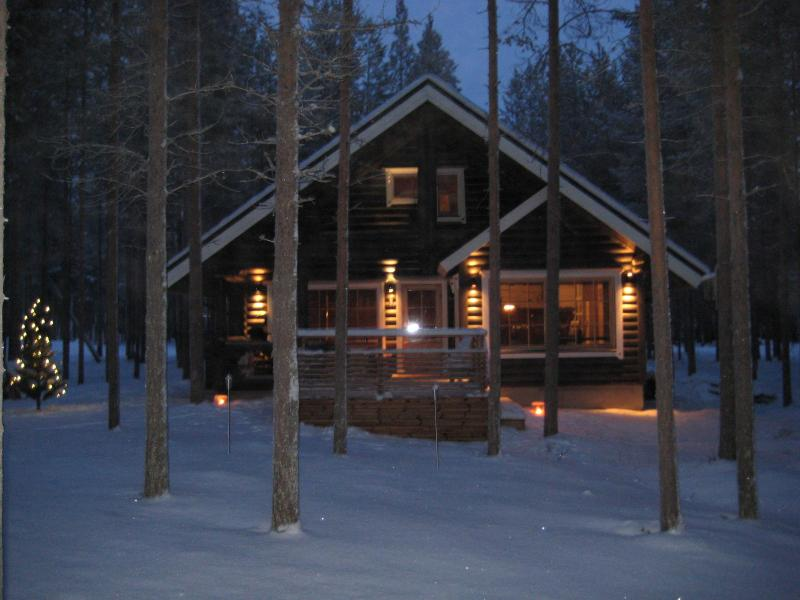Log cottage in the center of Pyhä ski resort - Image 1 - Pelkosenniemi - rentals
