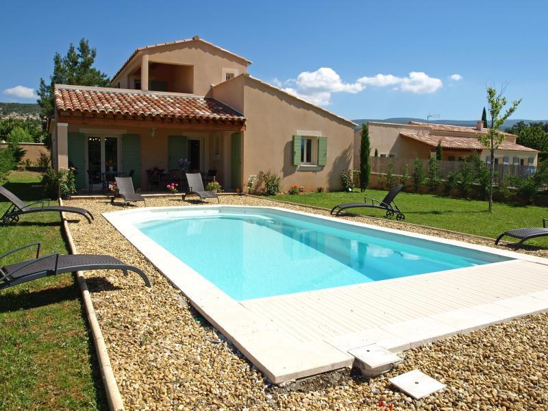 Villa in Provence with Pool near Town - Villa Bruyere - Image 1 - Saint-Saturnin-les-Apt - rentals