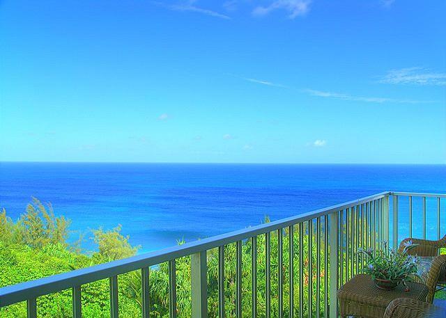 Alii Kai 5301: Gorgeous remodeled top floor corner, 2br/2ba, oceanfront view! - Image 1 - Princeville - rentals