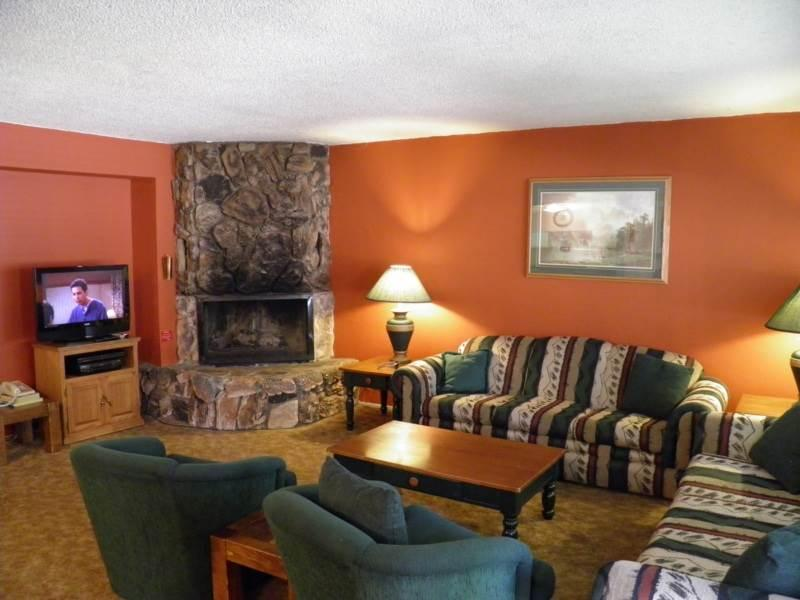 Gorgeous 3 BR-2 BA Condo in South Lake Tahoe (1149 Herbert #B) - Image 1 - South Lake Tahoe - rentals