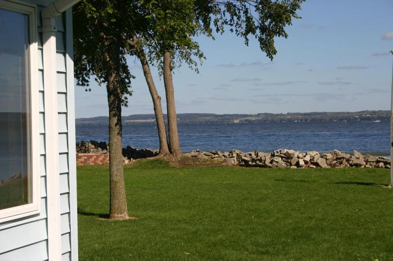 Beautiful views from the shoreline of Lake Winnebago - Newly Remodeled 3 BR House on Lake Winnebago - Fond du Lac - rentals