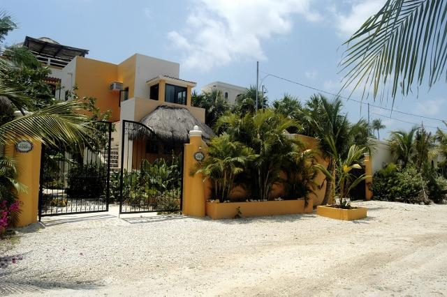 entrance to Casa Palmeras - Casa Palmeras on the beach in Soliman Bay - Soliman Bay - rentals