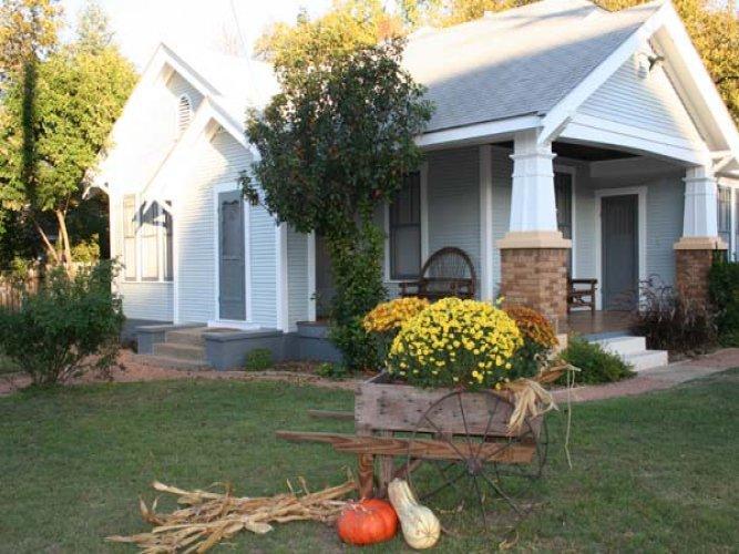Breeh Haus - Image 1 - Fredericksburg - rentals
