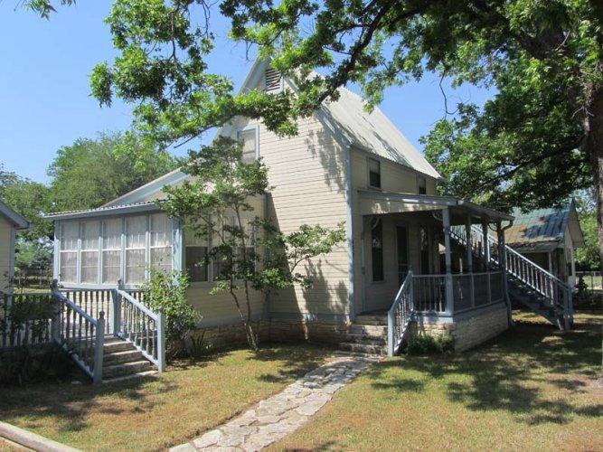 Cowboy Orchard - Image 1 - Fredericksburg - rentals