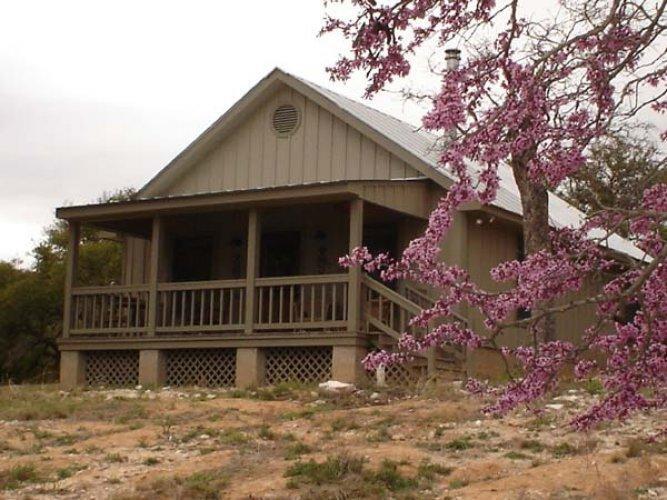 Hillside Cabin - Image 1 - Fredericksburg - rentals