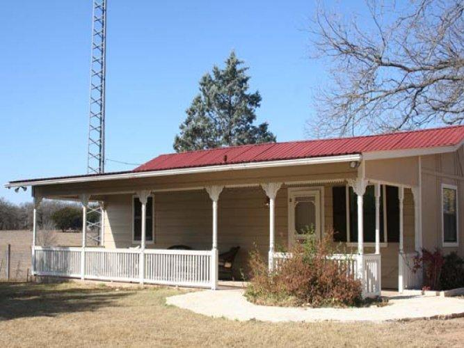 M's Little House - Image 1 - Fredericksburg - rentals