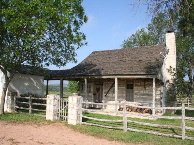 The Log Cabin - Image 1 - Fredericksburg - rentals