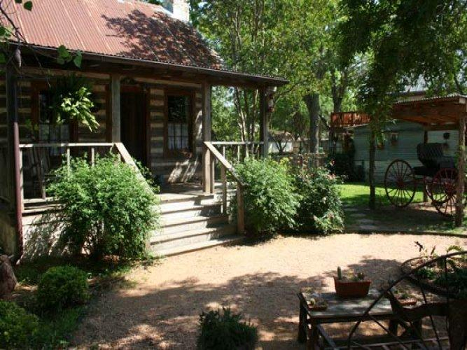 Baines House - Jenny's Cabin - Image 1 - Fredericksburg - rentals