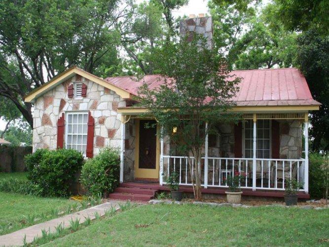 Das Kaderli Haus - Image 1 - Fredericksburg - rentals