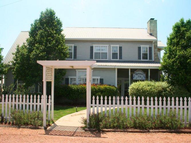 Runnymede Country Inn - Chealsea Room - Image 1 - Fredericksburg - rentals