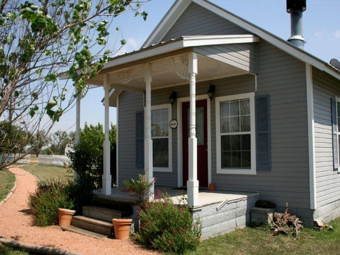 Runnymede Country Inn - Thatcher Cottage - Image 1 - Fredericksburg - rentals