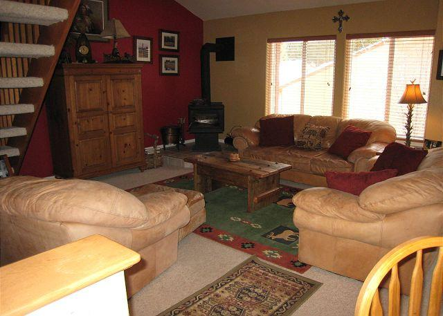 Living Room - Family Size Aspen Village Condo with a Designers Touch. - McCall - rentals