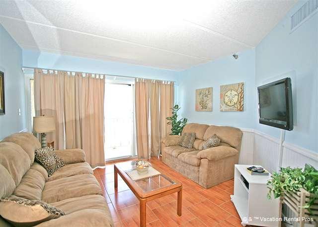Beachdrifter 406 comfortably sleeps 4 people - Beachdrifter 406, 4th floor ocean front, elevator - Jacksonville Beach - rentals