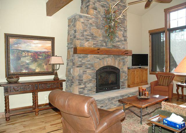 Nice & Updated Living room w/Gas Fire Place - Ultra Luxurious 5 Bedroom Dream Catcher unit at Lakota!!!!! - Winter Park - rentals