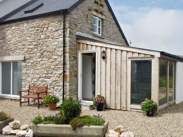 Y CWTCH, pet friendly, luxury holiday cottage, with a garden in Newport, Pembrokeshire, Ref 6164 - Image 1 - Newport - rentals