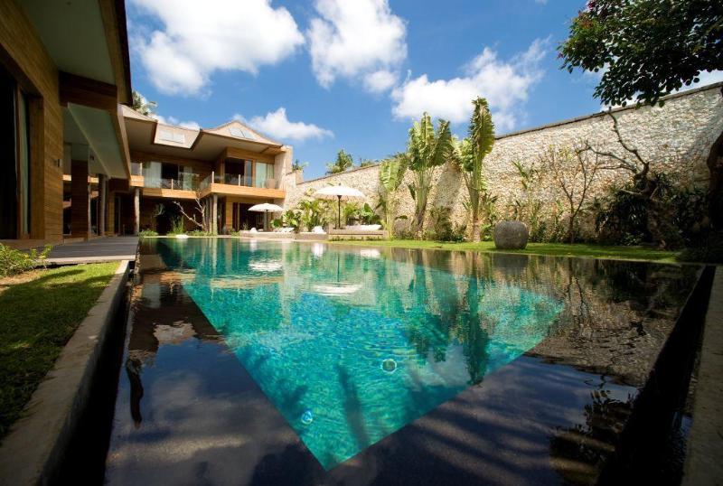 Bali Lifestyle.- 4 Bed Super Lux Villa - Seminyak - Image 1 - Seminyak - rentals
