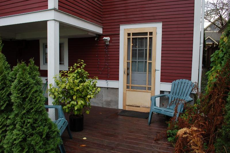 Private entrance to suite - Garden Suite - Character House on East 10th - Vancouver - rentals