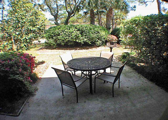 Beach Villas 9 Patio - Beach Villa 9 -3 bedrooms Oceanside-Gated Community - Hilton Head - rentals