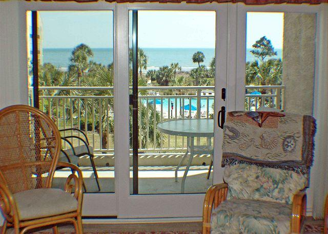 Shorewood 333 -Renovated Oceanview 3rd Floor Condo with Stunning Views - Image 1 - Hilton Head - rentals