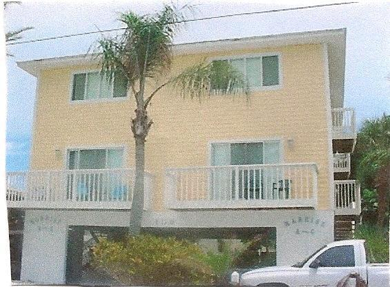 Front of building - Condo steps to the Beach in Bradenton Beach, FL - Bradenton Beach - rentals
