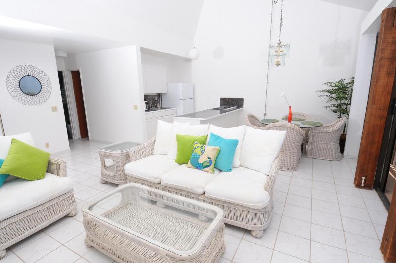 Spacious Open Floor Plan - Top Floor 2br Oceanview Condo: Starts at $125/nt! - Makaha - rentals