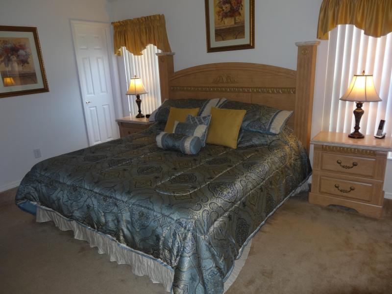 Master bed - 15% off rates for 2016 - Kissimmee - rentals