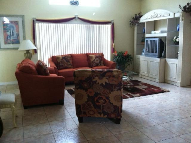 lounge area - SPECIAL- Budget 3bd  $ 105 Off Season & $ 115 Peak - Kissimmee - rentals