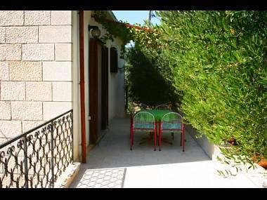 A1(4+1): terrace - 4807 A1(4+1) - Cove Puntinak (Selca) - Cove Puntinak (Selca) - rentals