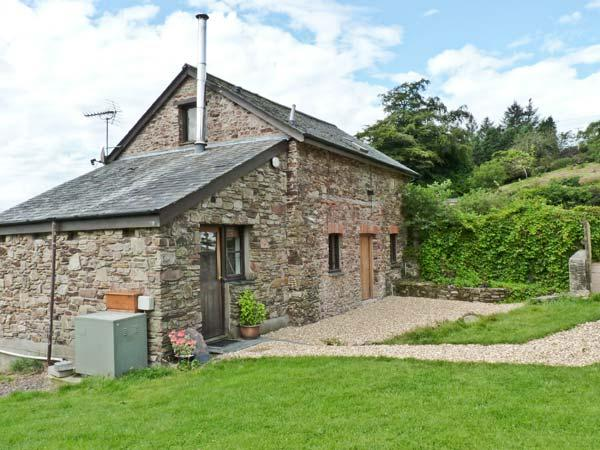 THE BYRE, family friendly, character holiday cottage, with a garden in Combe Martin, Ref 10149 - Image 1 - Combe Martin - rentals