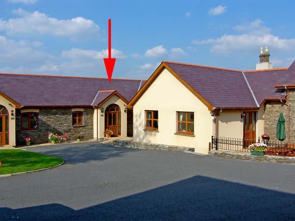 ENLLI, pet friendly, luxury holiday cottage, with a garden in Aberystwyth, Ref 10455 - Image 1 - Aberystwyth - rentals