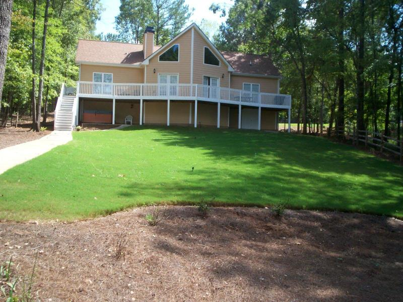 Back of house from lake - Masters ReadyGreat Lakefront Getaway-Dock,Jacuzzi, - Eatonton - rentals