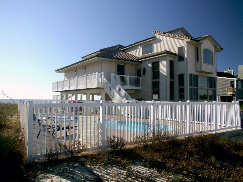 Beachfront private pool/spa & elevator 5,000 sq ft - Image 1 - Saint George Island - rentals