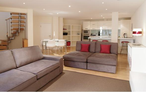 Spacious downstairs living/dining/kitchen area - Spacious,Modern 3 bed flat, Zone 2 London - London - rentals